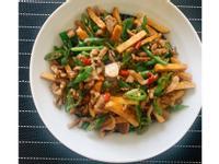 糯米椒炒豆乾肉絲(超下飯家常料理)
