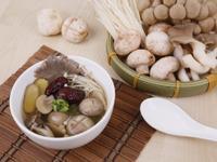 桑黃仙草食補蕈菇湯(素食可)