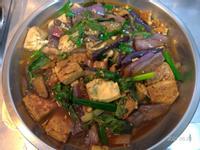 塔香茄子豆腐煲