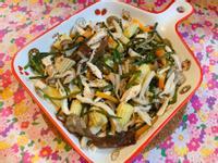 5色蔬食炒水蓮拌雞絲🥗