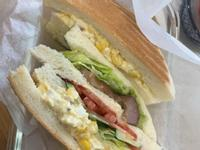 燒肉蛋沙拉總匯三明治