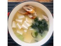 日式味噌豆腐海帶芽湯