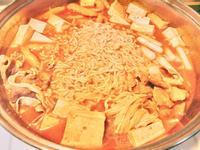 韓式辣炒年糕泡麵鍋(輕鬆料理)