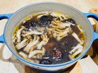 藥膳菇菇雞肉湯