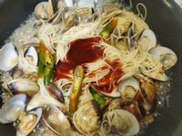 防疫宅料理~~豆醬蛤蜊義大利麵