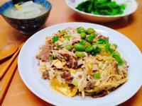 滑蛋牛丼飯+昆布蘿蔔湯