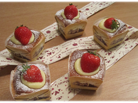 草莓戚風杯子蛋糕