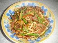 愛蜜莉廚房:香根豆干肉絲