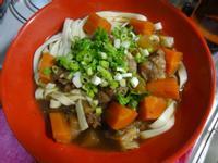 一鍋煮料理:紅燒牛雜麵