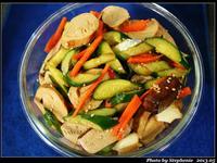 消暑開胃的涼拌小菜-麻香素雞拌小黃瓜