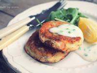 [在。廚房]英式鮭魚餅佐細香蔥奶醬