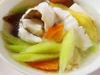 【厚生廚房】碧玉筍豆腐魚片湯