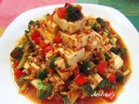 燕麥冷豆腐搭豆瓣彩蔬淋醬