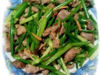 韭菜花炒雞胗(湖南小炒)