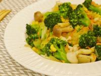 奶油洋蔥炒花椰菇菇~營養好健康!