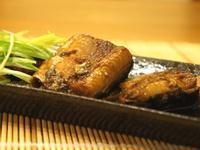 《小豆亭》化骨醬燒秋刀魚