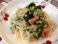 涼拌鮪魚蔬菜義大利麵