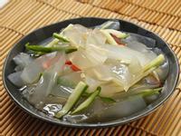 【養顏料理】涼拌曼波魚皮