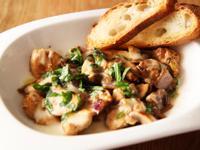 奶油雞肉蘑菇佐法式白酒醬