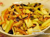 香菇肉絲炒粄條