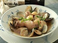 蒜頭蛤蜊雞鍋~時間淬釀的甘露之味