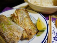 阿基師教我的香煎白帶魚^^