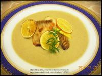 煎鯛魚片佐奶油蘑菇醬
