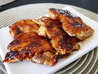 4樣材料的好吃照燒雞腿肉