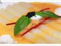 白蘆筍佐南瓜泡菜醬汁