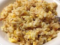 香蒜起司鮪魚蛋炒飯