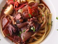 <美人料理>柏根地紅酒燉牛肉佐義大利寬麵