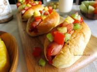 水果風莎莎醬熱狗堡