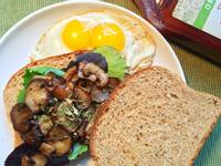 美式奶油蘑菇煎蛋三明治! (奶蛋素)