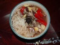 素食香椿蔬菜湯麵