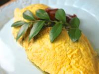 影音示範 簡易歐姆蛋的製作蛋包飯上的蛋包