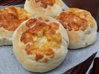 洋蔥培根鮪魚麵包
