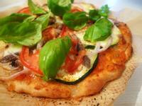 手作薄皮櫛瓜鯷魚Pizza