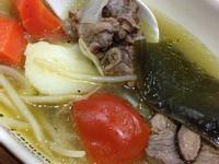 排骨燉黃豆芽蔬菜湯
