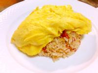整個「小」蕃茄飯+蛋包