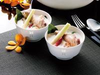 JIA Inc. 蒸鍋蒸籠 南薑椰奶雞湯