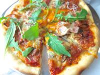 影音示範義式薄脆Pizza 麵團製作