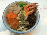 海陸咖哩刀削湯麵