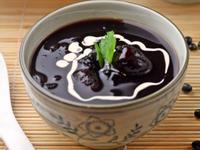 用電鍋作黑豆紫米甜湯