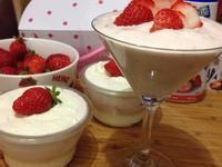 煉乳草莓奶昔【草莓就愛鷹牌煉奶】
