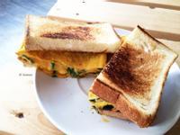 菠菜起司蛋三明治 / 奶蛋素