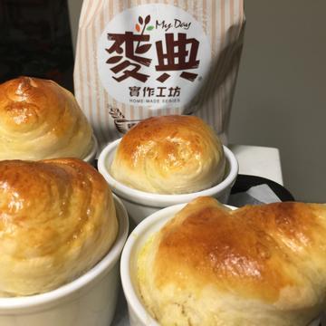 Tina Liao跟著做了奶酥蘿紋【麥典實作工坊麵包專用粉】
