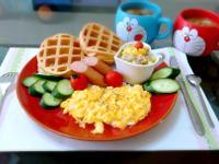 幸福早午餐~鮪魚沙拉蔬果鬆餅
