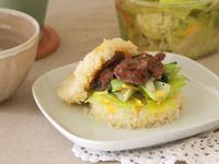 黑胡椒牛肉米漢堡_小七食堂