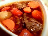 紅燒牛肉湯。