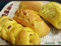 薑黃枸杞蔓越莓餐包